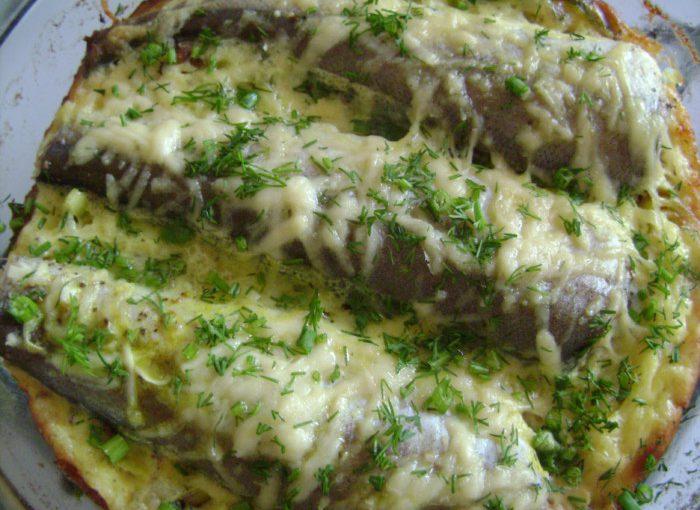 Рибна запіканка в духовці з сиром і цибулею-пореєм