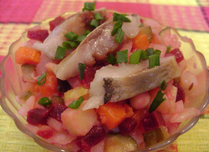 Вінегрет з оселедцем, капустою і квасолею – смачний овочевий салат