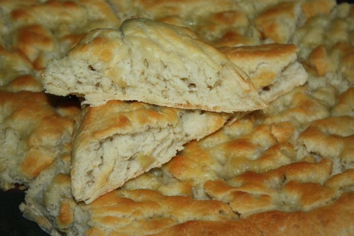 Італійський хліб фокачча з імбиром в солоній заливці