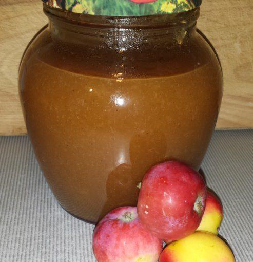 Смачне густе яблучне повидло з корицею