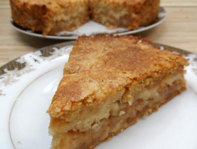 Легкий і смачний листковий яблучний пиріг з сухого тіста