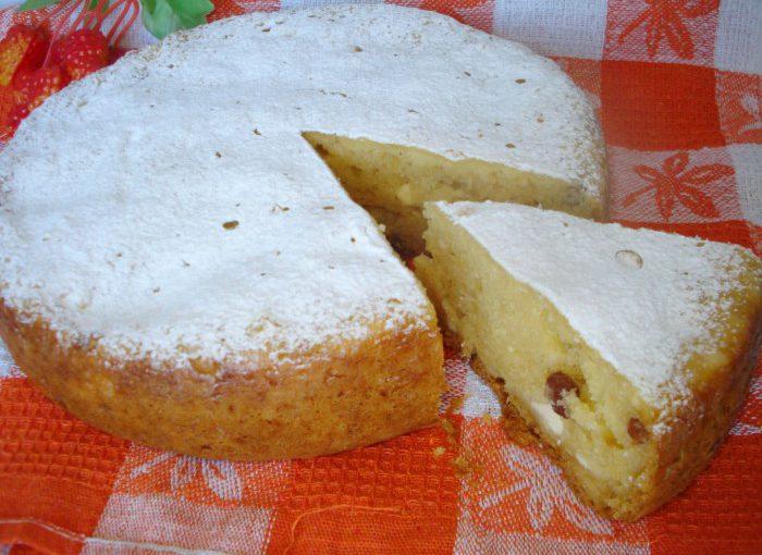 Смачний сирний кекс в мультиварці з родзинками