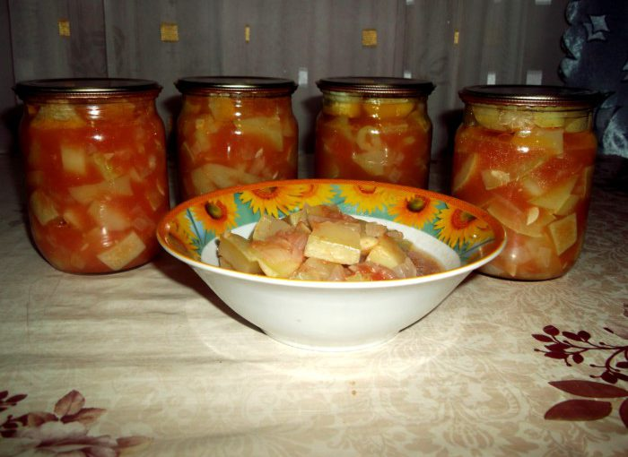 Смачне лечо з кабачків, перцю та помідорів на зиму
