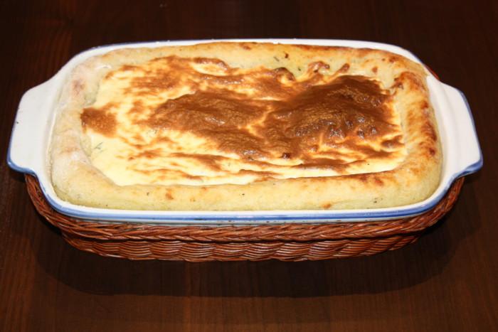 Смачна картопляна запіканка з в'яленими помідорами в духовці