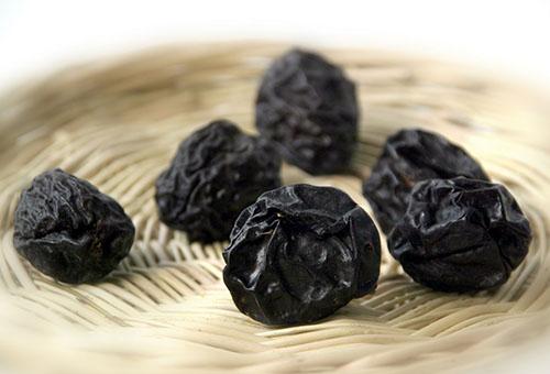 Пюре з чорносливу: рецепти приготування пюре для прикорму малюка і заготівля на зиму