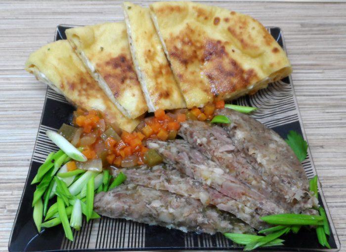 Імеретинське хачапурі з сиром – коржі на кефірі з сирною начинкою