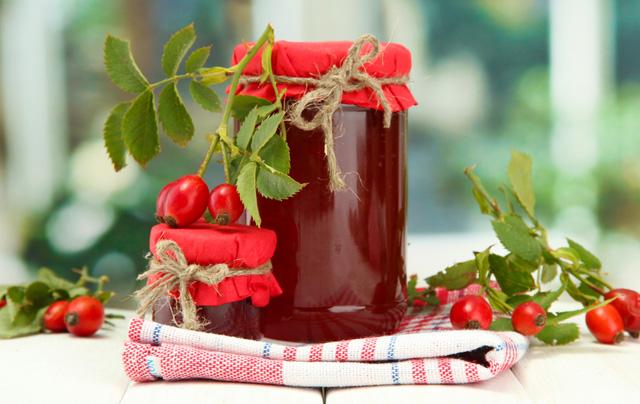 Сироп з шипшини: рецепти приготування шипшинового сиропу з різних частин рослини – плодів, пелюсток і листя