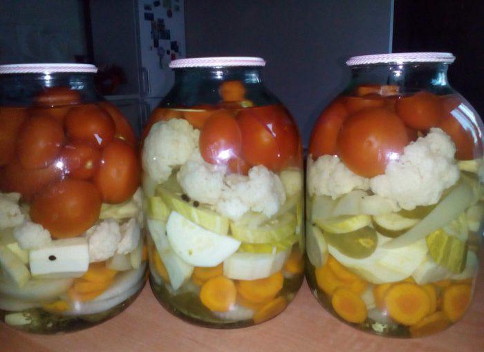 Овочеве асорті мариноване на зиму без стерилізації – просто і смачно