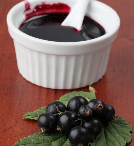 Як приготувати повидло з чорної смородини на зиму – рецепт
