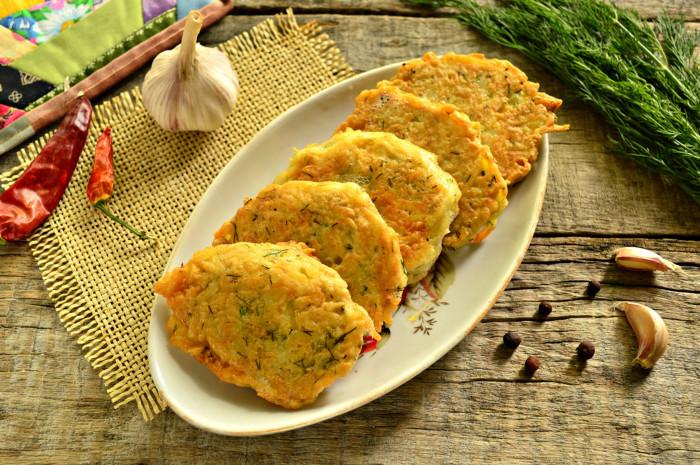Картопляні деруни з зеленню