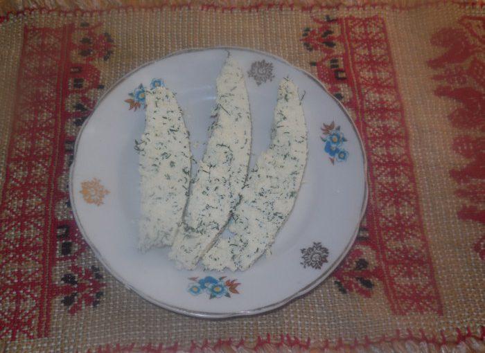 Домашній плавлений сир з кропом – корисно, просто, смачно