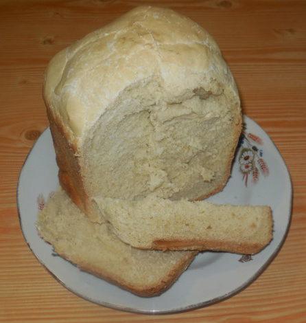 Смачний домашній хліб в хлібопічці на томатному маринаді
