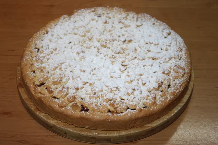 Тертий пісочний пиріг з яблучно-апельсиновим джемом