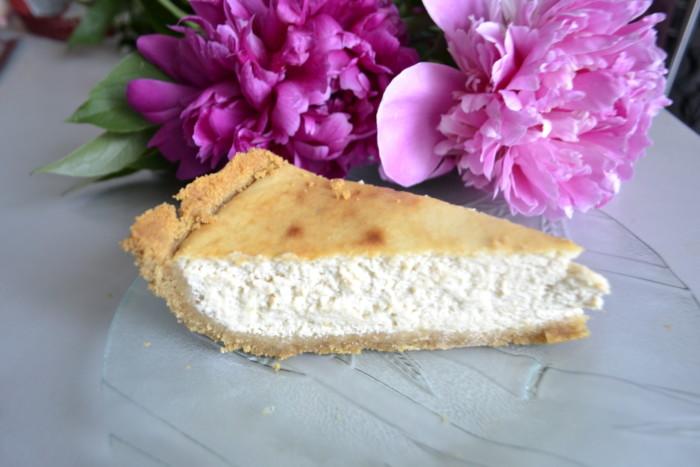 Банановий Чізкейк з випічкою – із домашнього сиру та печива