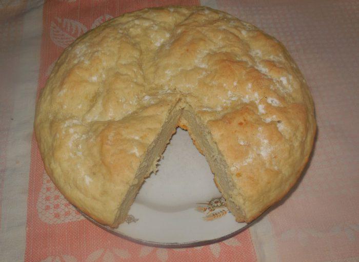 Повітряний картопляний хліб на картопляному відварі та молоці