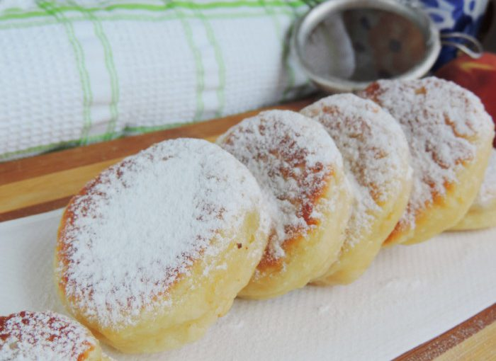 Сирні пончики на дріжджах з начинкою з повидла – пишні та смачні