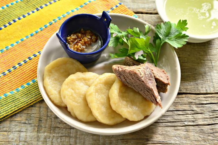 Халтама – кукурудзяні галушки з бараниною і бульйоном – дагестанська національна страва