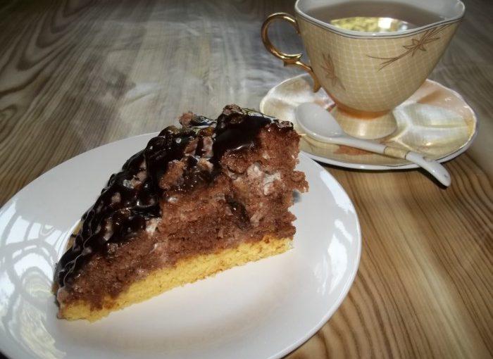 Торт Панчо – бісквітний торт зі сметанним кремом та родзинками