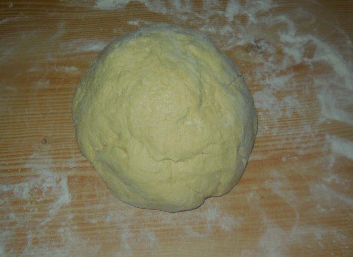 Сирне тісто для пиріжків, смажених на сковороді, або пончиків