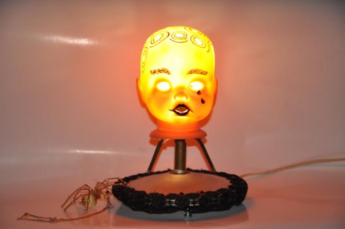 Страшний світильник на Хелловін – Яскрава голова
