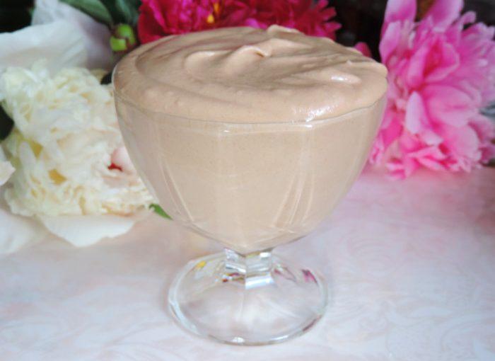 Арахісовий крем з вершками та шоколадом – смачна начинка для торта і тістечок