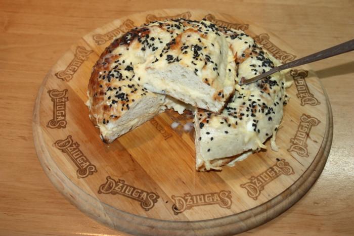 Гарячі бутерброди з сиром із узбецького коржа