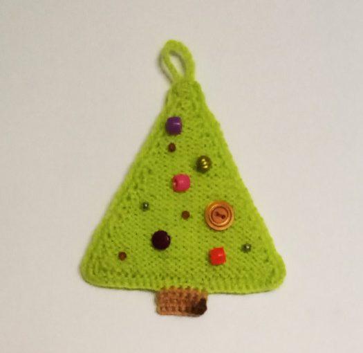 В'язана ялинка гачком і спицями - проста новорічна прикраса для дому
