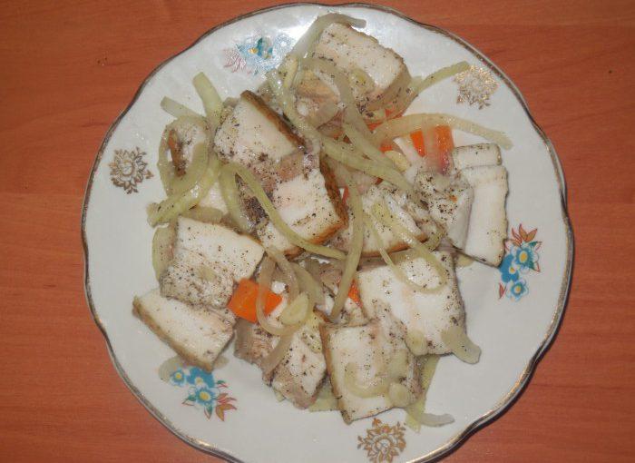 Мариноване сало в розсолі з оцтом – смачне сало по-закарпатськи