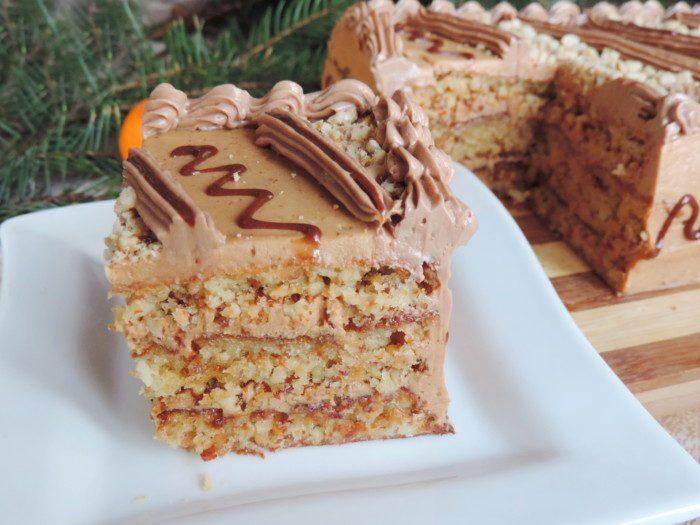 Королівський арахісовий торт з масляним кремом зі згущеним молоком