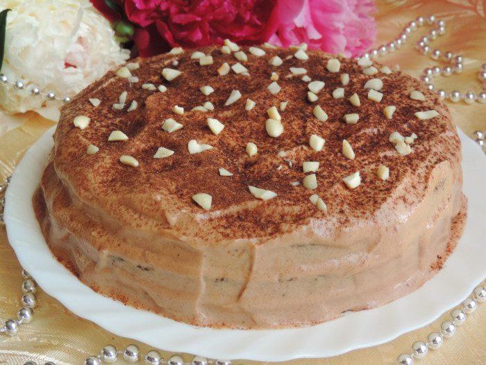 Бісквітний шоколадно-кавовий торт з арахісовим кремом