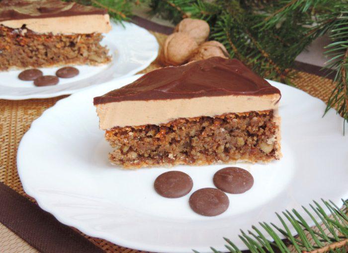 Торт Грільяж з волоськими горіхами і масляним кремом – смачний та простий