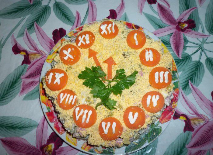 Новорічний салат Годинник – як прикрасити салат на Новий рік 2021