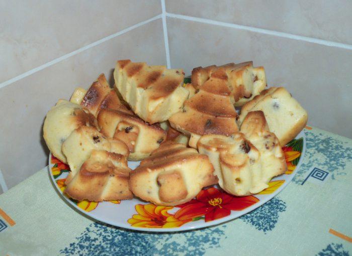 Кекси на кефірі з родзинками в духовці