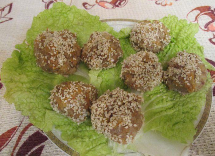 Парові котлети із телятини в мультиварці – закуска Новорічні Сніжки