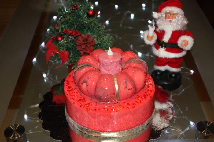 Новорічний торт Свічка - домашній бісквітний торт з солоною карамеллю