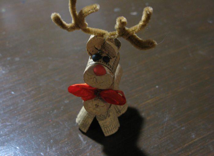 Олень з пробок від вина своїми руками – новорічна іграшка-саморобка