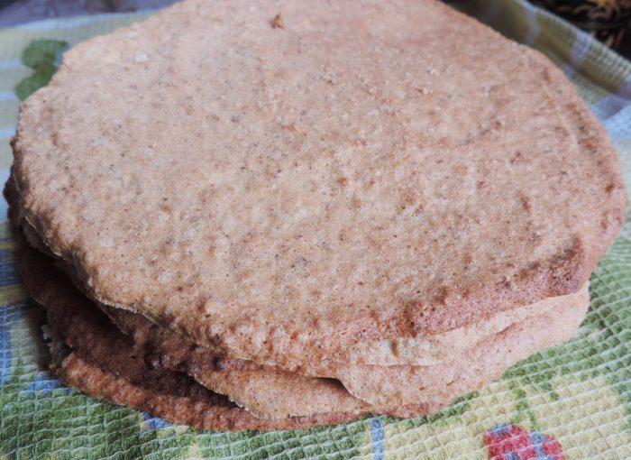 Білково-горіхові коржі для торта Естерхазі – повітряні та легкі