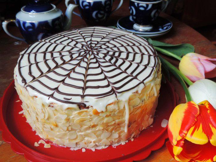 Домашній торт Естерхазі - знаменитий угорський чи то австрійський десерт