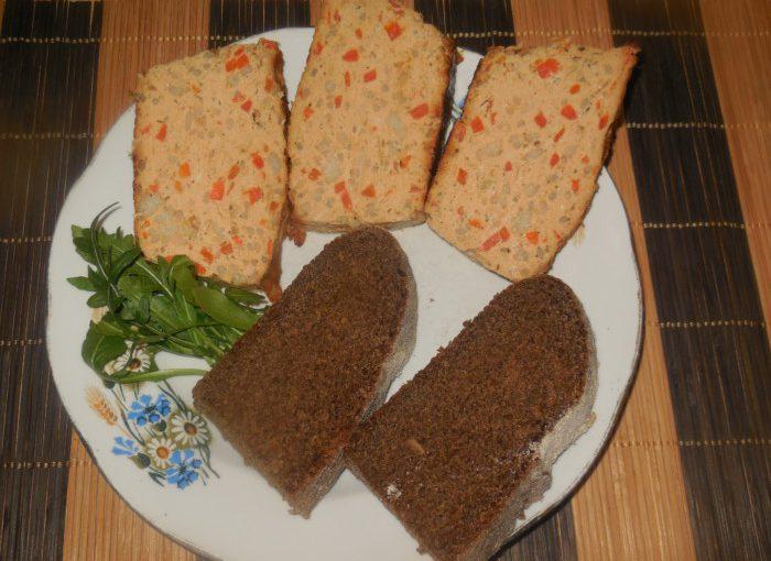 Курячий хлібець в духовці або запіканка з курячого філе з рисом і овочами