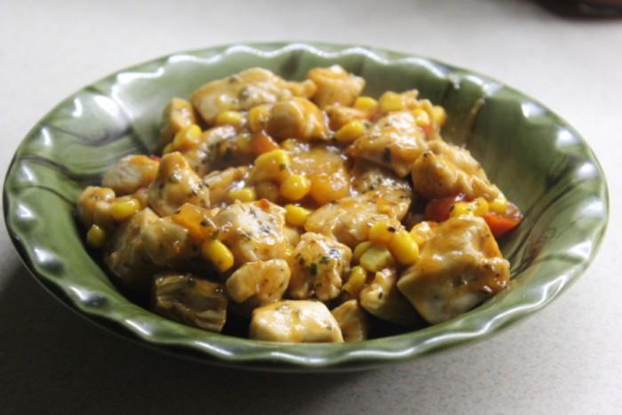 Курка з ананасами та перцем чилі або куряче філе по-китайськи