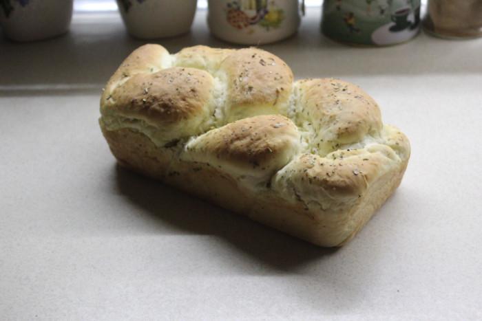 Італійський хліб з оливками і гострим перцем