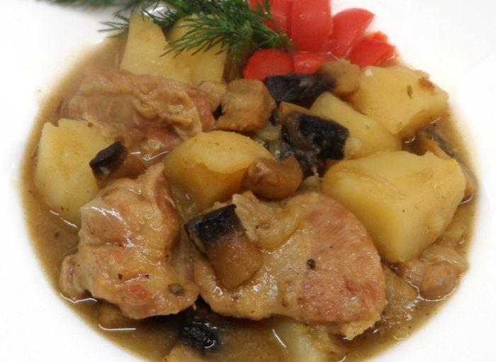 Печеня з м'ясом, грибами і картоплею – незвичайні зрази а-ля Нельсон по-французьки