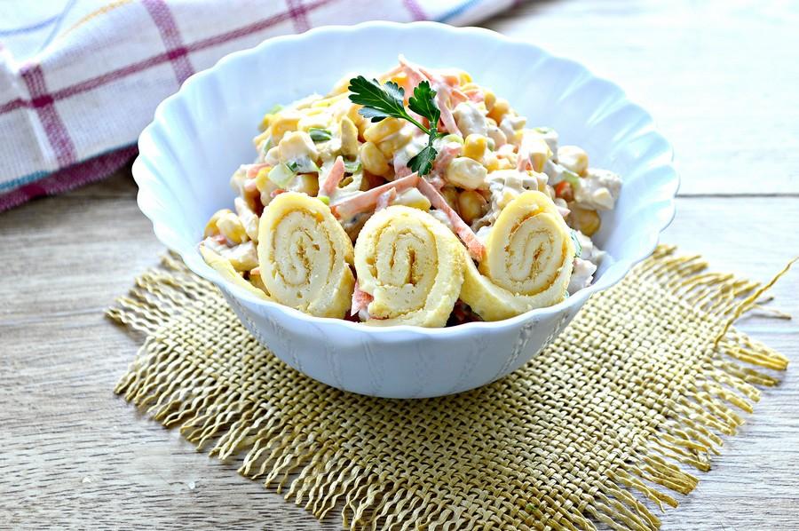 Предлагаем его сделать зимой, на праздники или ближе к весне, очень хороший получается салат.