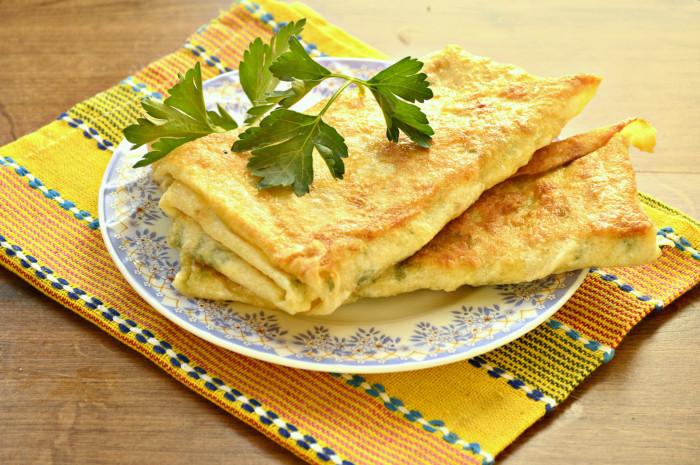 Лаваш з сиром і зеленню на сковороді – швидкі пиріжки з лаваша