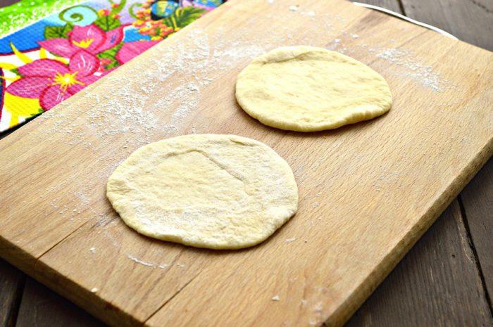 Солодкі булочки на сковороді