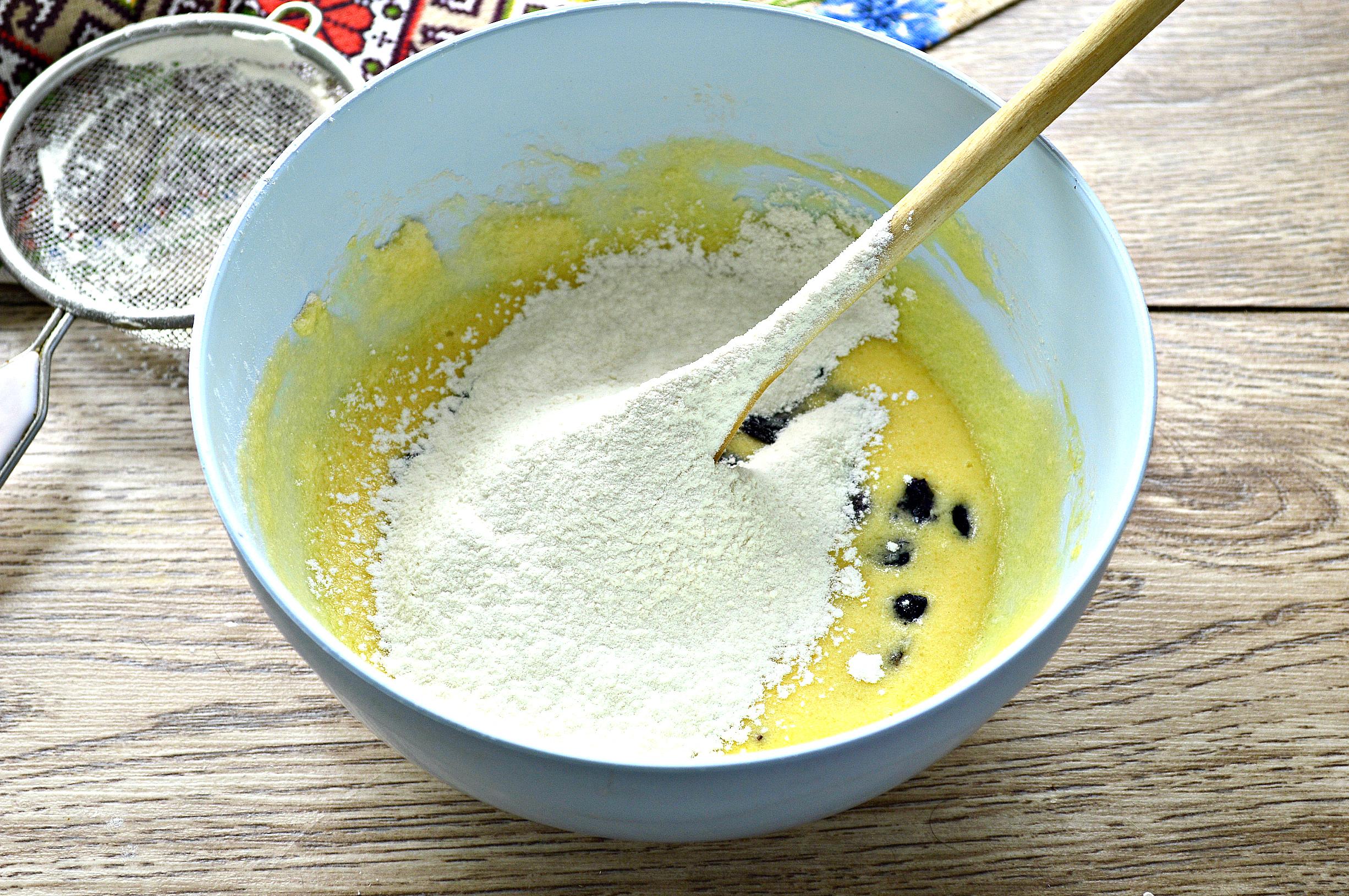 Простий пасхальний кекс на соді