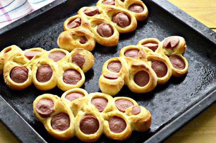 Красиві сосиски в тісті - смачні та оригінальні