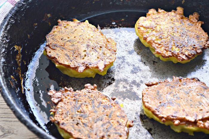 Картопляні оладки з начинкою з м'ясного фаршу