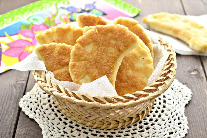 Дріжджові булочки на сковороді