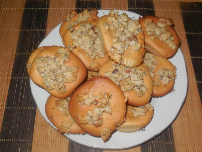 Горіхові кекси на сметані у формочках